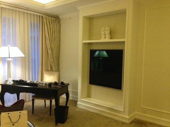Hotel D'Angleterre: Great B&O TV