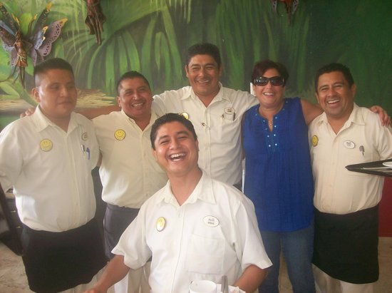Golden Parnassus All Inclusive Resort & Spa Cancun: Great Waiters