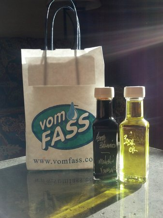 Vom Fass: Vinegar and Oils great selection