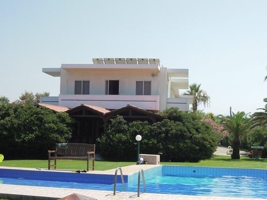 Hotel Arion: Hotel vom Pool / Meer aus gesehen