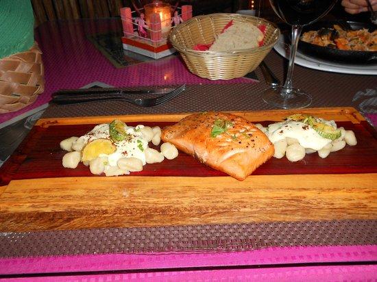Los Peleones: Salmon con ñoqui