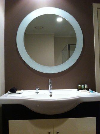 Hotel on Devonport : Sink