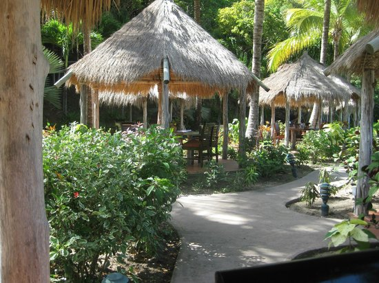 Galley Bay Resort : The dining huts
