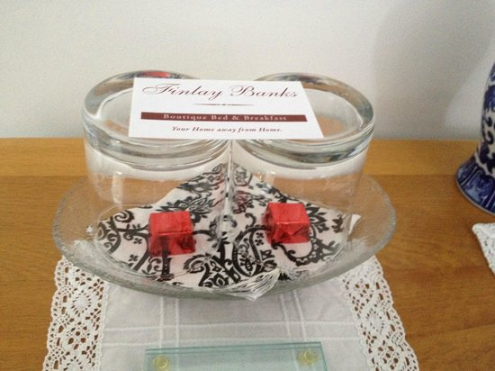 Finlay Banks Boutique Bed & Breakfast: Greeted with chocolates