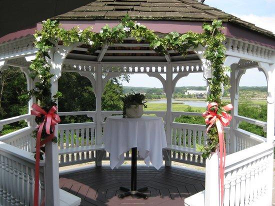 The Castle Manor Inn: Wedding Gazebo
