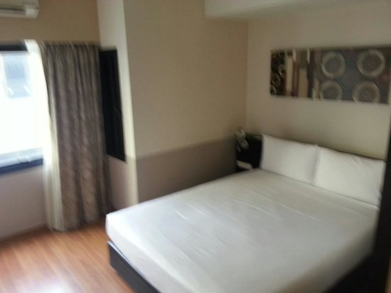 Citadines Sukhumvit 23 Bangkok : Comfy bed and pillow