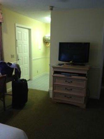 The King and Prince Beach and Golf Resort: Oglethorpe Bldg. - Lower Level Room Entrance