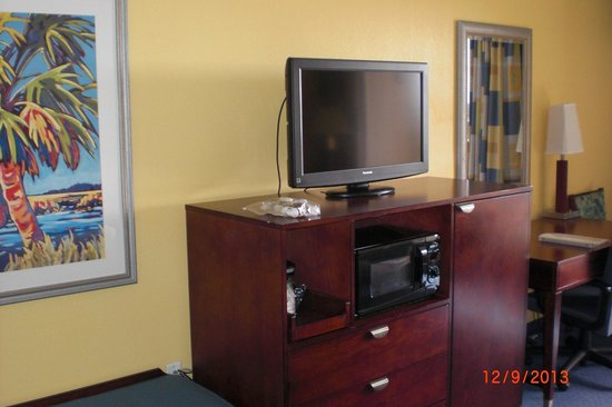 Hampton Inn Cocoa Beach/Cape Canaveral : TV