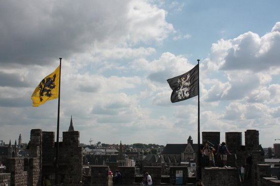Grafenburg (Gravensteen): Flying the flag