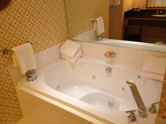 Kimpton Marlowe Hotel: soaking tub