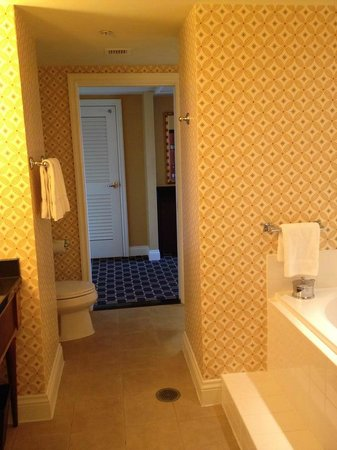 Kimpton Marlowe Hotel: bath