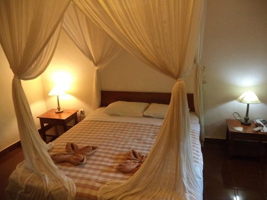 Cafe Locca Homestay: comfy bed