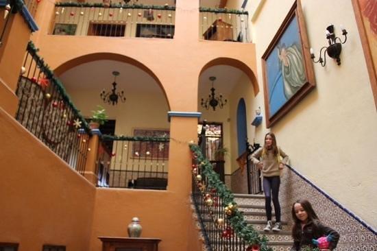 El Meson de los Poetas: steps from reception