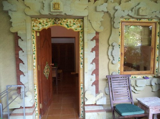 Cafe Locca Homestay: entrance