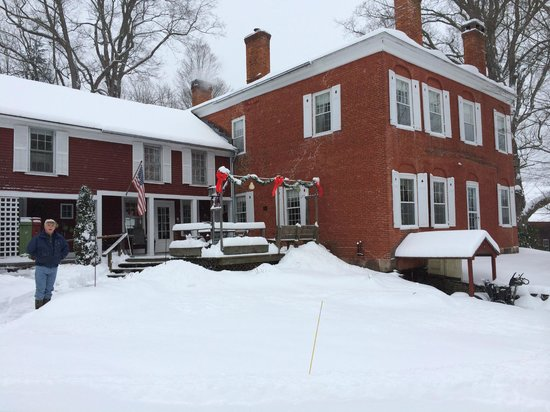 Hickory Ridge House Bed & Breakfast Inn : winter wonderland