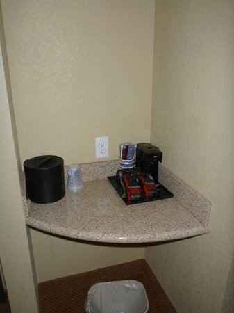 BEST WESTERN PLUS Henderson Hotel: Coffee Maker