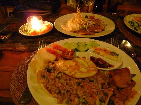 Saren Indah Hotel: Saren Indah's restaurant serves good-value, freshly-prepared meals. Perfect for a romantic dinne
