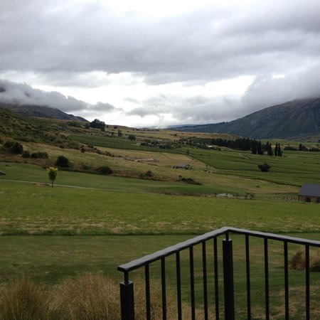 Mt Rosa Lodge: View from Gibbston Suite