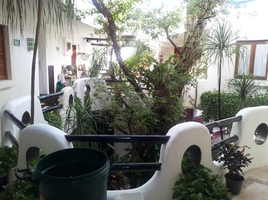 Hotel Quinto Sol: Primero piso Vista de jardin central