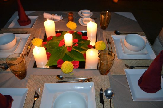 Shreyas Yoga Retreat: Candle light dinner...