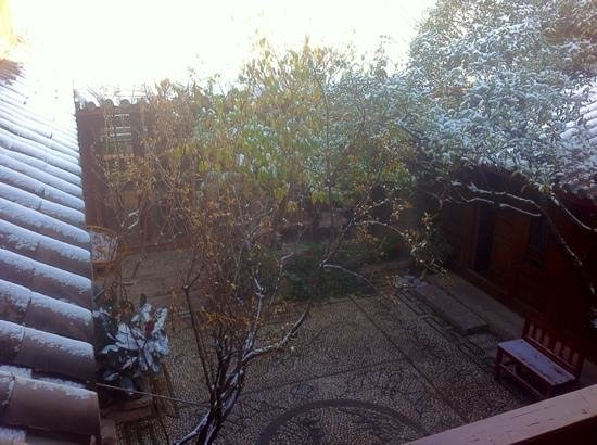 Sky Valley Heritage Boutique Hotel : moring after a overnight snow.