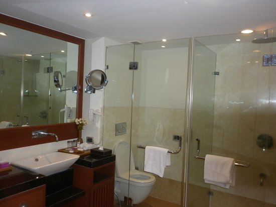 Royal Orchid Central Kireeti : Bathroom No. 1 in the Suite