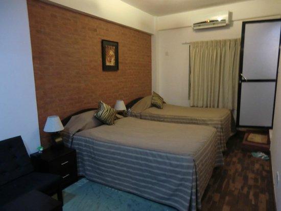 Gaju Suite Hotel : bedroom in suite