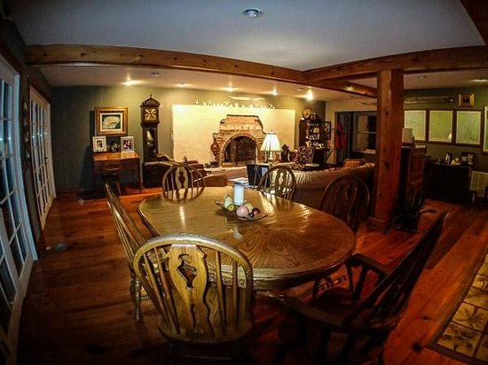 Blue Heron Inn: Breakfast room