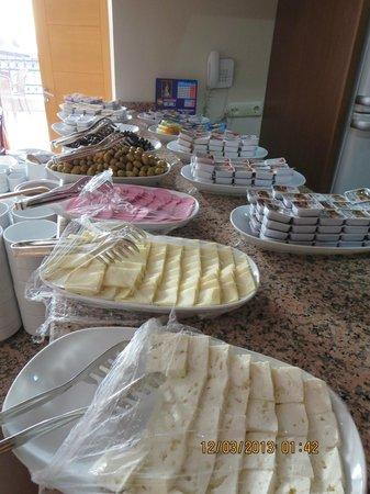 Grand Peninsula Hotel: Breakfast Buffet
