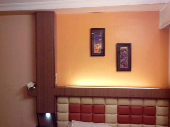 Maneck Hotels: Room