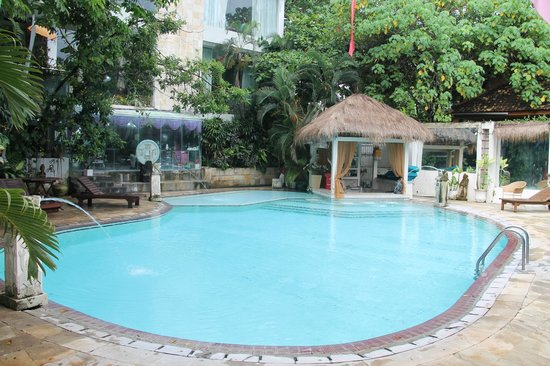 Bali Mystique Hotel and Apartments: the 2nd pool near the bungalows
