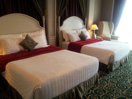 GH Universal Hotel: Deluxe double queen room