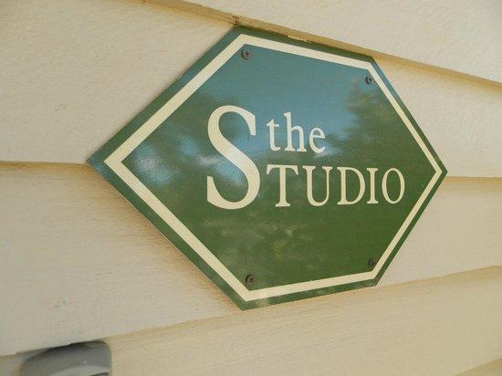 Wagner's Cottages: Sign