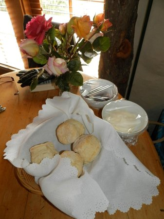 Wagner's Cottages: Just the best scones!