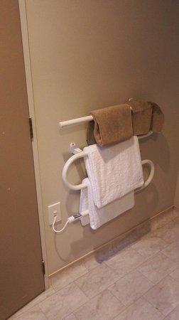 Gables Motor Lodge: Studio Spa bathroom