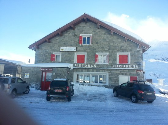 Albergo Ristorante Cambrena: View of the front of the restaurant