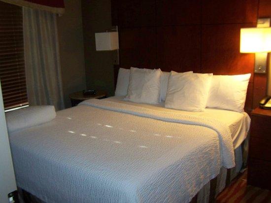 Residence Inn Minneapolis Plymouth : Bedroom
