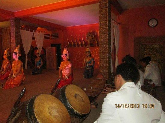"""""""Apsara Dance """" at """"Temple Club"""""""