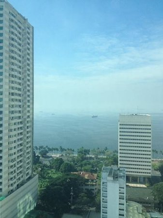 Pan Pacific Manila: View from the Pacific Lounge (breakfast room)