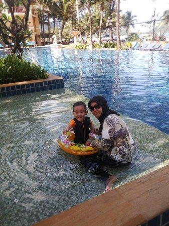 Phuket Graceland Resort & Spa: swimming pool bawah