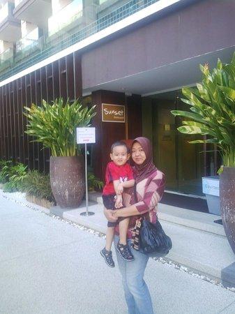 Phuket Graceland Resort & Spa: Restoran menyediakan mulai dr sarapan yg halal
