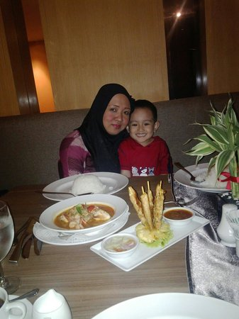Phuket Graceland Resort & Spa: Dinner #halalfood