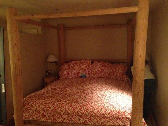 Hotel Pacific : letto