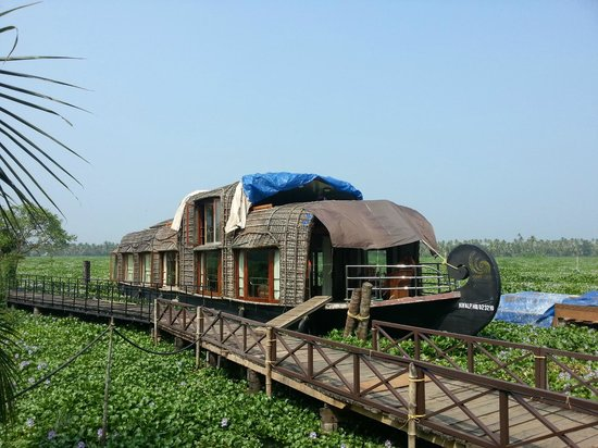 Vasundhara Sarovar Premiere: Resort View