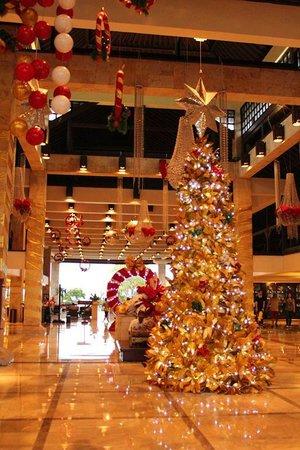 Discovery Kartika Plaza Hotel: Lobby for Christmas