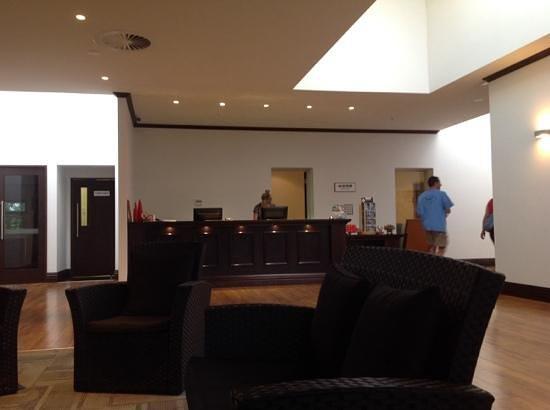 Quality Hotel Elms : lobby