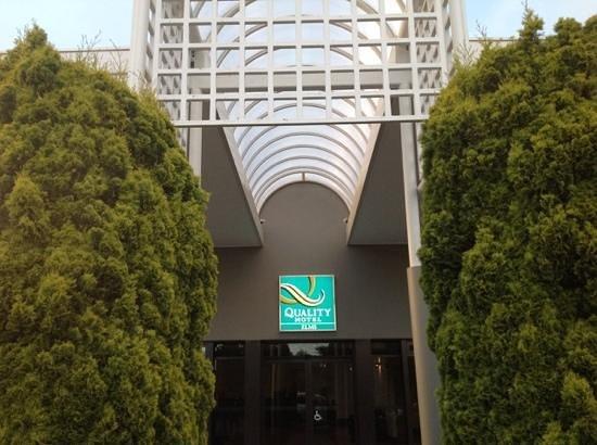 Quality Hotel Elms : main gate