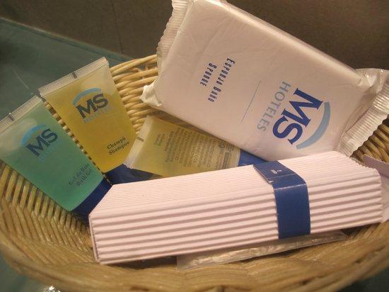 Hotel MS Maestranza: Ванная комната