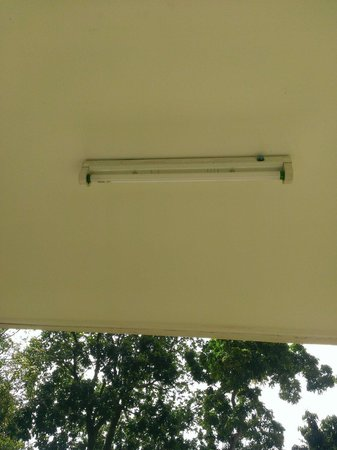 Secret Cliff Resort : lighting at balcony