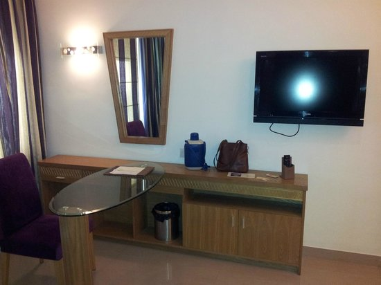 Biverah Hotel & Suites: One of the rooms in Double Bed Room